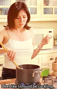 Shannen Doherty as take-charge Prue, rockin'' her first potion - Charmed