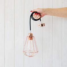 jaula-cobre-cable-negro