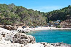 Cala Salada - El blog del viajero: Playas y calas imperdibles en Ibiza