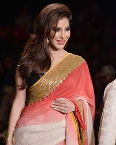Gotapatti Saree Border : Bollywood celebrates rural India with designer Vikram Phadnis at Lakme Fashion Week