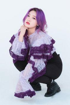dedicated to female kpop idols. Kpop Girl Groups, Korean Girl Groups, Kpop Girls, My Girl, Cool Girl, Chica Cool, Olivia Hye, Sooyoung, Purple Hair