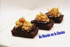 BROWNIE CON TOFFE DE CHOCOLATE Y ALMENDRAS