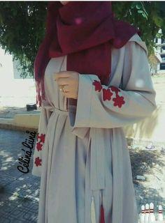 Hijab Style: Elegant and Alluring Abaya Designs with Hijab Arab Fashion, Islamic Fashion, Muslim Fashion, Modest Fashion, Fashion Outfits, Modest Wear, Modest Dresses, Modest Outfits, Mode Abaya