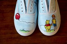 Winnie the Pooh - by Chae Cherié. Oh my goodness! Disney Painted Shoes, Painted Canvas Shoes, Disney Shoes, Hand Painted Shoes, Painted Vans, Spring Shoes, Summer Shoes, Summer Sandals, Winne The Pooh