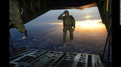 รูปภาพ ภาพถ่ายทหารจังหวะเป๊ะเว่อร์ รูปที่ 1
