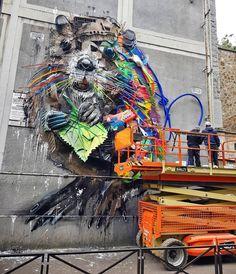 Street Art – Bordalo II installe une œuvre en déchets recyclés à Paris   Ufunk.net