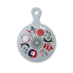 The pretty round cutting board Harvest from ISAK has a lovely retro pattern and is designed to work as a centerpiece, placemat or a cheese board. The cutting board also has a handle which makes it easy to move around. Combine it with other retro details from ISAK.