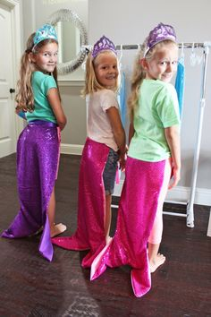 For Emma's birthday, I knew I wanted to have mermaid tails for party favors! Finding a good tutorial or how-to on how to mak. Little Mermaid Dresses, The Little Mermaid, Good Tutorials, Mermaid Tails, Costume Halloween, Violets, 3rd Birthday, Party Favors, Party Ideas