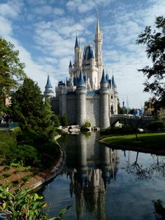 Neat picture of Cinderella Castle at the Magic Kingdom in Walt Disney World my-crazy-obsession-with-all-things-disney Beautiful Castles, Beautiful Buildings, Beautiful Places, Walt Disney Land, Places To Travel, Places To See, Castle House, Castle Rock, Disneyland