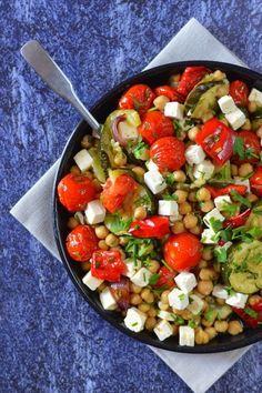 Meleg csicseriborsó-saláta recept Vegetable Recipes, Vegetarian Recipes, Healthy Recipes, Chickpea Salad Recipes, Health Eating, Light Recipes, Food To Make, Food Photography, Healthy Lifestyle