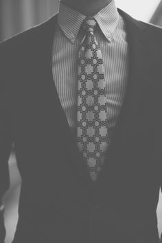 the first thing i look at when i meet a person is their hands. Mens Fashion Blog, Best Mens Fashion, Suit Fashion, Fashion Advice, Dapper Gentleman, Gentleman Style, Creative Shirts, Cool T Shirts, Shirt And Tie Combinations
