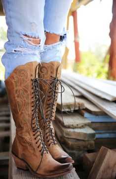 bd51480275aa3 11 best boots images on Pinterest in 2018