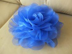 Jumbo Organza Flower Brooch, tissu bleu Royal fleur, Sash fleur, fleur de l'épaule, casque, accessoires robe