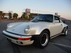 1986 Porsche 930 Turbo PEARL WHITE / NAVY - Pelican Parts Technical BBS