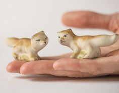 Vintage porcelain foxes figurines two tiny red foxes by SovietEra