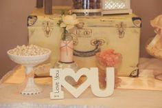 Viajemos a la época vintage,,donde los colores, marcan una tendencia tierna..Love Events...decorando a tu gusto..
