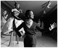 Diana Vreeland, fashion arbiter and legendary fashion editor of Harper's Bazaar magazine and editor in chief of Vogue magazine, curating The World of Balenciaga NYC, 1973 Photo Harry Benson