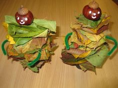 With chestnuts and leaves Autumn Crafts, Autumn Art, Nature Crafts, Autumn Theme, Autumn Activities, Activities For Kids, Diy For Kids, Crafts For Kids, Diy And Crafts