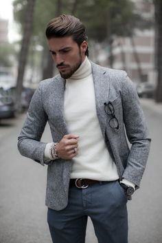 Blazer/ turtleneck                                                                                                                                                                                 Plus