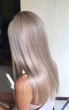 Sleek Ash Blonde Hair - 40 Styles with Medium Blonde Hair for Major Inspiration - The Trending Hairstyle Medium Blonde Hair, Honey Blonde Hair, Cool Ash Blonde, Perfect Blonde Hair, Pearl Blonde, Blonde Lob, Blonde Brunette, Long Face Hairstyles, Straight Hairstyles