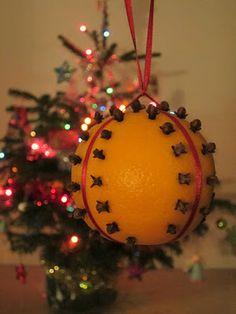 Homemade orange pomander clove chirstmas decoration - Crafty Weekend