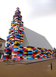 Real houses and replicas in #lego, can you try to reproduce a monument with the #HomeDesign3d application ?