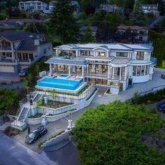 Mega Mansions, Mansions Homes, Classic House Design, Executive Suites, Dream House Exterior, Luxurious Bedrooms, Entrepreneur, Luxury Homes, House Plans