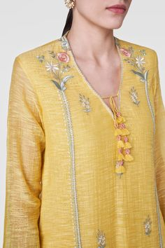 Shop from an exclusive range of luxurious wedding dresses & bridal wear by Anita Dongre. Bring home hand-embroidered wedding wear in colors inspired by nature. Buy now. Indian Bridal Outfits, Indian Designer Outfits, Bridal Dresses, Embroidery Suits Design, Embroidery Dress, Indian Embroidery Designs, Hand Embroidery, Kurti Designs Party Wear, Kurta Designs