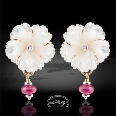 "Orecchini Fiore Madreperla -  Mother of Pearls and Ruby with diamonds - gold 18kt - Precious Jewelry - Jewels - Silvia Kelly Gioielli ""The Made in Italy - Italy - www.quelchevale.it"