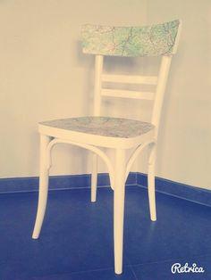 Oude stoel uit de kringloopwinkel, geschuurd, geverfd en daarna met mod podge een oude landkaart op geplakt. Gemakkelijke en leuk!