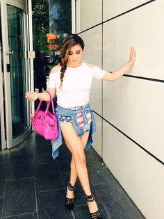 (((Ally Brooke))) Don't you kinda wish you looked this gorgeous and dramatic walking out of a building?