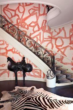 Staircase/Entrance/Animal print - Kelly Wearstler