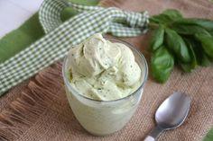 Gelato al basilico, scopri la ricetta: http://www.misya.info/ricetta/gelato-al-basilico.htm