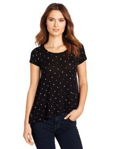 Short sleeve tee with dot print along the entire tee