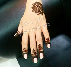 40 Creative Yet Simple Mehndi Designs For Beginners Finger Henna Designs, Mehndi Designs 2018, Mehndi Designs For Girls, Mehndi Designs For Beginners, Modern Mehndi Designs, Mehndi Design Photos, Mehndi Designs For Fingers, Beautiful Mehndi Design, Henna Tattoo Designs