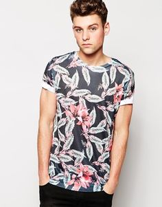 New Look T-Shirt in Floral Print