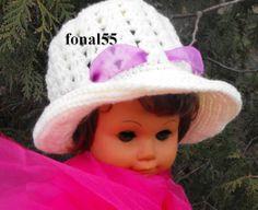 Kislány kalap keresztelőre. idozsaster@gmail.com Crochet Hats, People, Fashion, Moda, La Mode, Fasion, People Illustration, Fashion Models, Trendy Fashion