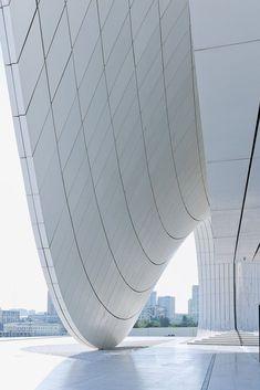 Zaha Hadid, Heydar Aliyev Cultural Center, Baku, Azerbaijan ☮k☮ Organic Architecture, Space Architecture, Futuristic Architecture, Beautiful Architecture, Contemporary Architecture, Architecture Details, Zaha Hadid Architektur, Arquitectos Zaha Hadid, Zaha Hadid Design