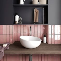 Retro Fliesen Artisan cm Retro tiles Artisan by Equipe Cerámicas in trendy design and in absolute top quality can. Bad Inspiration, Bathroom Inspiration, Baños Shabby Chic, Deco Rose, Pink Tiles, Downstairs Toilet, Chic Bathrooms, Bathroom Trends, Bathroom Ideas