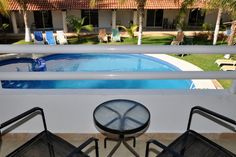 Location We are located on Ave. Hidalgo in the heart of downtown Isla Mujeres. Surrounded by restaurants and shops, Hotel Plaza Almendros is only two blocks from Playa Norte's white sandy beaches.