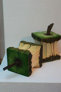 Works - Robert Günther - Woodworking Tips and Tricks Wooden Art, Wooden Crafts, Diy And Crafts, Scrap Wood Art, Geek Crafts, Wood Projects For Beginners, Diy Wood Projects, Art Projects, Outdoor Projects
