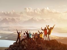 Big group of people having fun in success pose with raised arms on mountain top against sunset lakes and mountains. Travel, adventure or expedition concept Travel Blog, Group Travel, Travel Tips, Travel Ideas, Adventure Travel Companies, Adventure Tours, Great Photos, Cool Pictures, Tourism Day