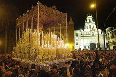 Semana Santa 2016 Sevilla. http://www.semanasanta2016.com/sevilla.htm