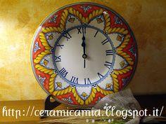 Hand-painted ceramic watch Deruta style