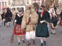 Busójárás, Hungary  www.mohacsibusojaras.com Budapest Hungary, Busan, Folk Art, Fur Coat, Cook Books, Costumes, Embroidery, Homeland, Halloween