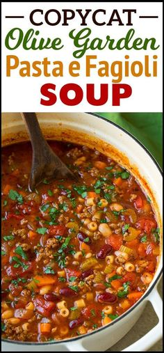 Pasta e Fagioli. This delicious and comforting recipe is an olive garden copycat… Pasta e Fagioli. This delicious and comforting recipe is an olive garden copycat. Make your most loved Italian soup at home. Pasta E Fagioli, Pasta Fagoli Soup, Pasta Soup, Pasta Fagioli Crockpot, Pasta Fagioli Soup Recipe, Recipe For Pasta Fazool, Pasta Fagioli Recipe Vegetarian, Pasta Carbonara, Recipe Pasta