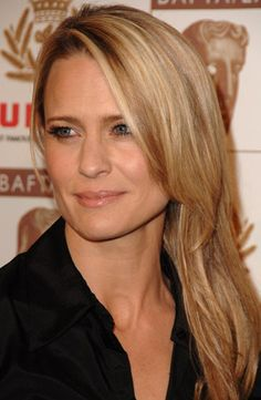 Robin Wright Penn, she was Buttercup in The Princess Bride :)