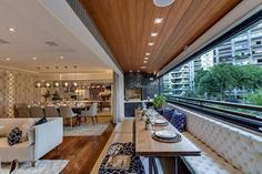 Varanda Gourmet com Banco Estofado