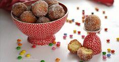 Le castagnole alla ricotta sono delle palline dolci fritte molto golose. Si preparano per Carnevale ma sono buone tutto l'anno. Provatele, una tira l'altra!