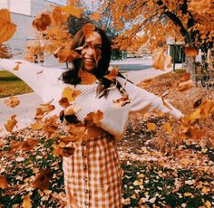 Pinterest: carolinefaith417★ Fall Pictures, Fall Photos, Cute Photos, Fall Pics, Autumn Aesthetic, Autumn Photography, Fall Season, Fall For You, Happy Fall